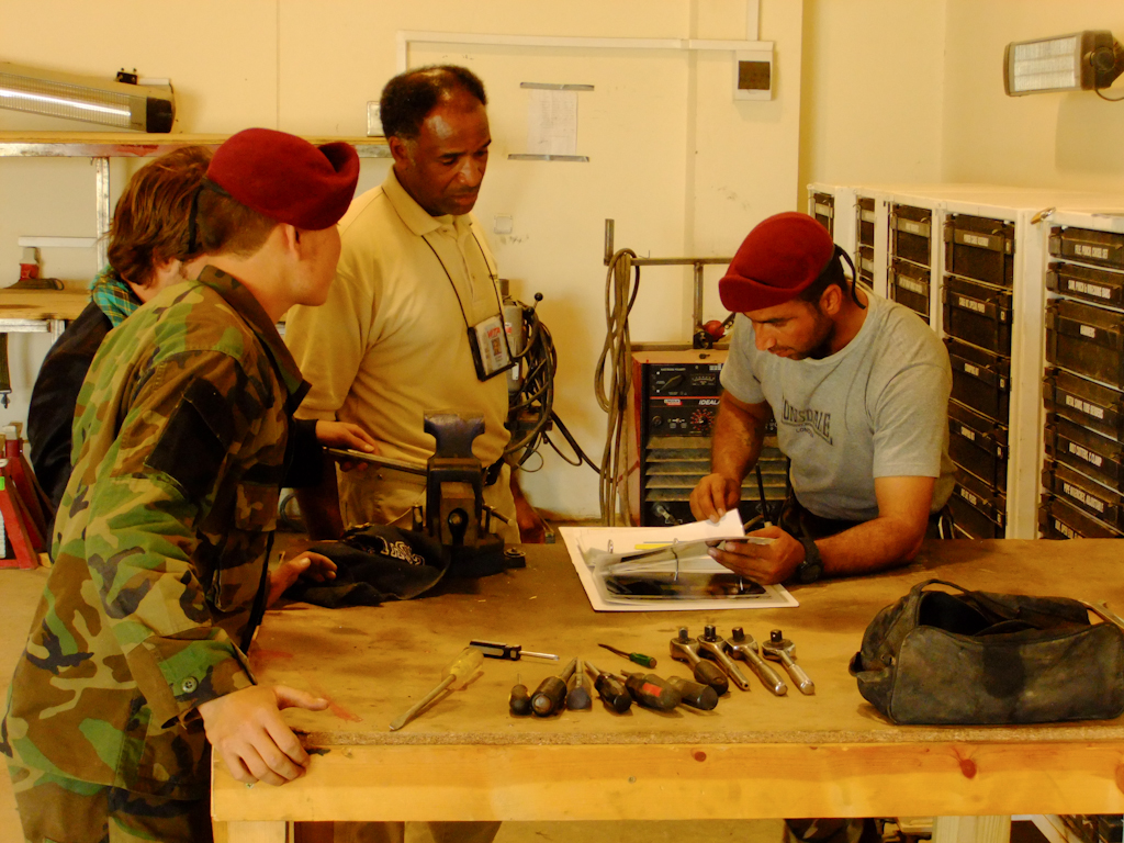 Training 3rd Commando soldiers on daily operation of maintenance and motor pool inventory control, 2010